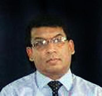கலாநிதி எம். கணேசமூர்த்தி  பொருளியல்துறை, கொழும்பு பல்கலைக்கழகம்.